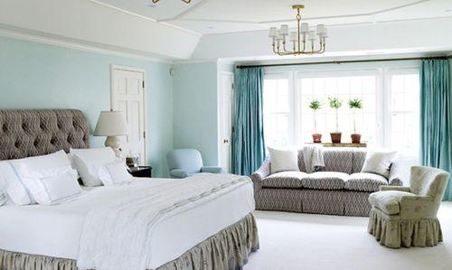 Дизайн комнаты с голубыми стенами