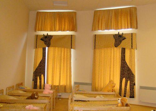 шторы в спальной зоне детского сада