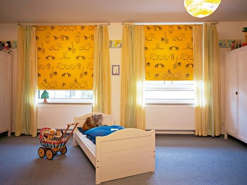 Как установить рулонные шторы?