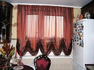 Выбираем французские шторы на кухню