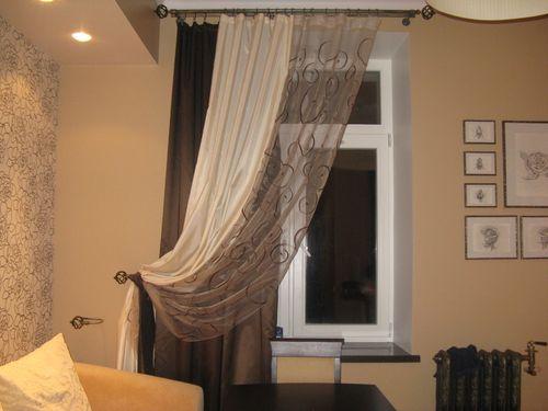 Закрепляем шторы к стене