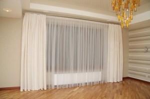 Красивые светлые шторы