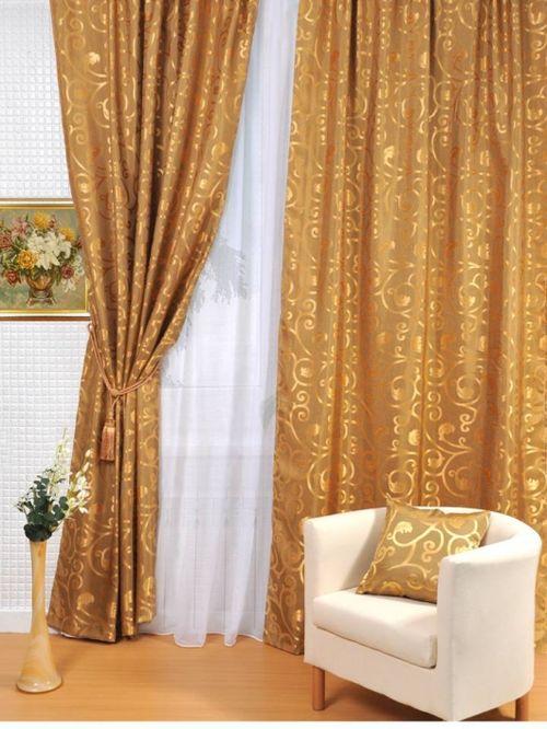 Золотые шторы в интерьере