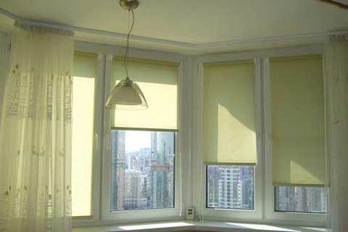 Как выбрать и установить роликовые шторы