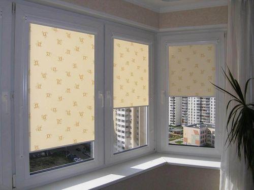 Выбираем солнцезащитные шторы